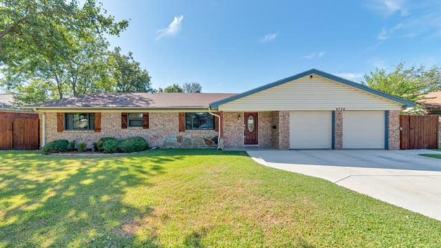 Photo 1 of 32 - 6736 Corona Dr, Fort Worth, TX 76180