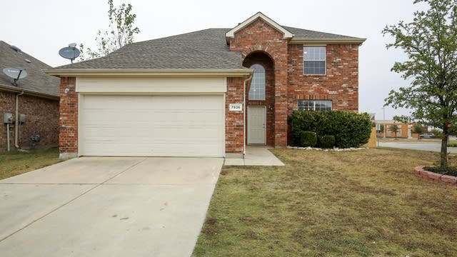 Photo 1 of 33 - 7936 Wyoming Dr, Fort Worth, TX 76131