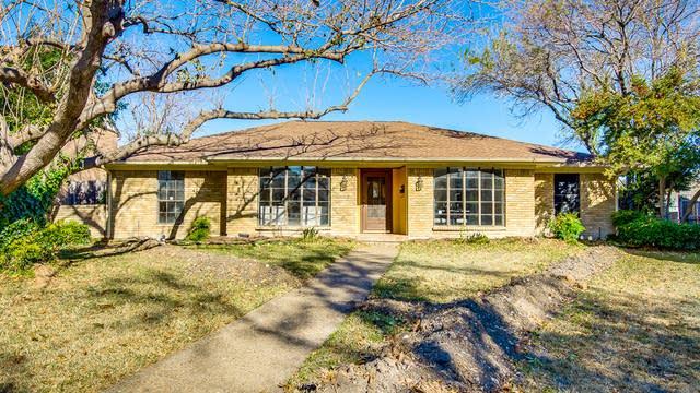 Photo 1 of 35 - 13 Highland Pl, Richardson, TX 75081