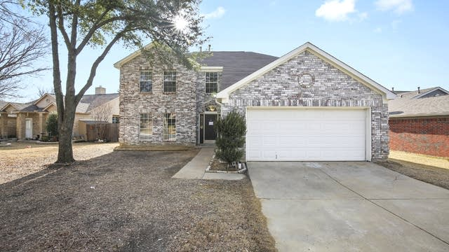 Photo 1 of 26 - 7405 San Isabel Ct, Fort Worth, TX 76137
