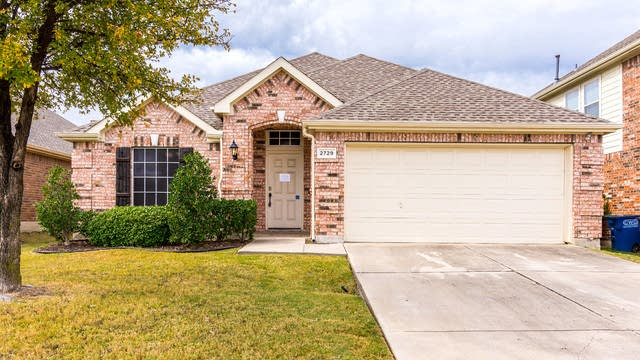 Photo 1 of 28 - 2729 Enchanted Eve Dr, Little Elm, TX 75068