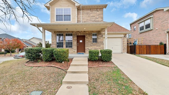 Photo 1 of 25 - 2612 Basswood Dr, Grand Prairie, TX 75052