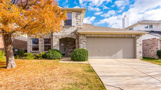 Photo 1 of 31 - 2405 Graystone Dr, Little Elm, TX 75068