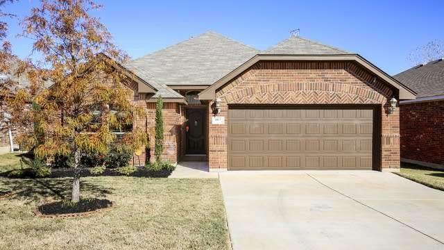 Photo 1 of 27 - 6012 Beachview Ln, Fort Worth, TX 76179