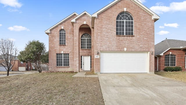 Photo 1 of 32 - 3553 Sedona Dr, Grand Prairie, TX 75052