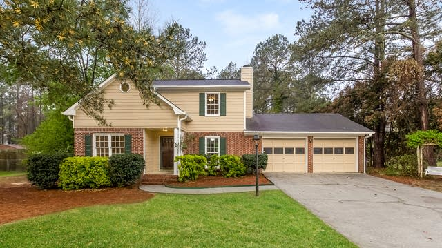 Photo 1 of 28 - 3617 Fernbrook Dr, Snellville, GA 30039