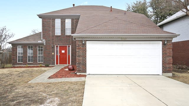 Photo 1 of 29 - 2340 Shirecreek Cir, Grand Prairie, TX 75052