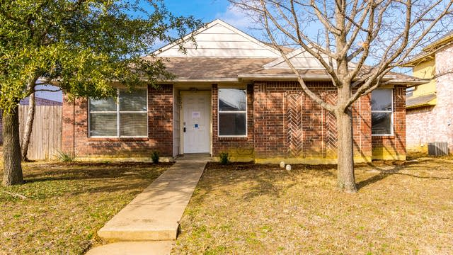 Photo 1 of 21 - 12647 Bluffview Dr, Balch Springs, TX 75180