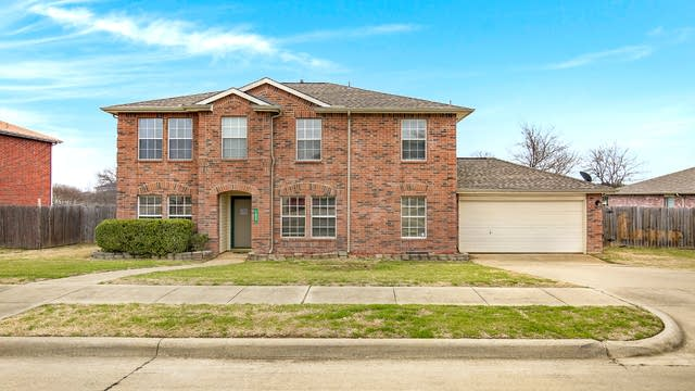 Photo 1 of 31 - 1405 Linda Ln, Cedar Hill, TX 75104