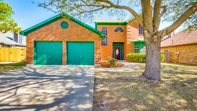 Photo 1 of 28 - 10600 Bing Dr, Fort Worth, TX 76108