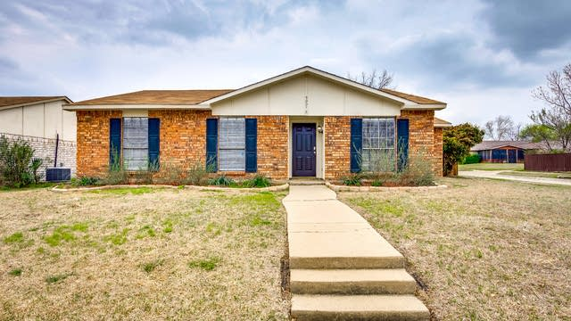 Photo 1 of 26 - 5001 Watkins Cir, The Colony, TX 75056