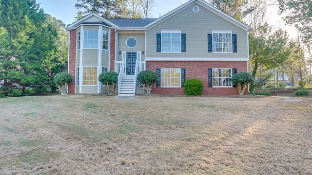 Photo 1 of 29 - 4064 Manor Hill Pl, Buford, GA 30519