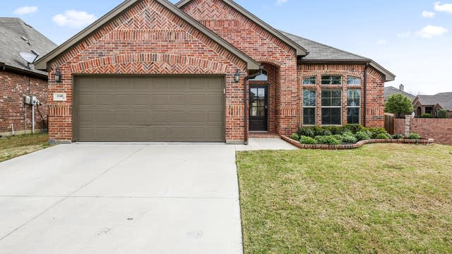 Photo 1 of 25 - 1140 Rosemary Ct, Burleson, TX 76028