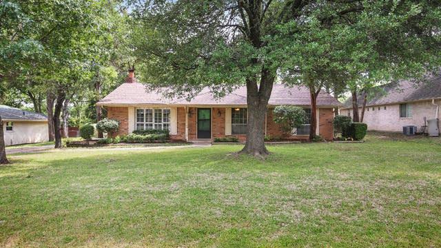 Photo 1 of 26 - 1510 Kingswood Dr, Cedar Hill, TX 75104