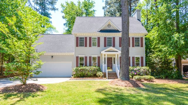 Photo 1 of 26 - 629 Saint Vincent Dr, Holly Springs, NC 27540