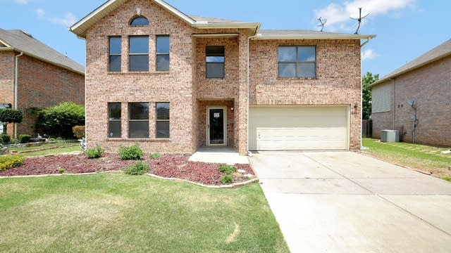 Photo 1 of 37 - 5320 Chessie Cir, Haltom City, TX 76137