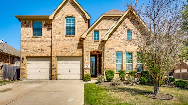 Photo 1 of 35 - 818 Partridge Dr, Aubrey, TX 76227