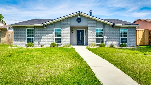 Photo 1 of 28 - 8809 Millwood Dr, Rowlett, TX 75088