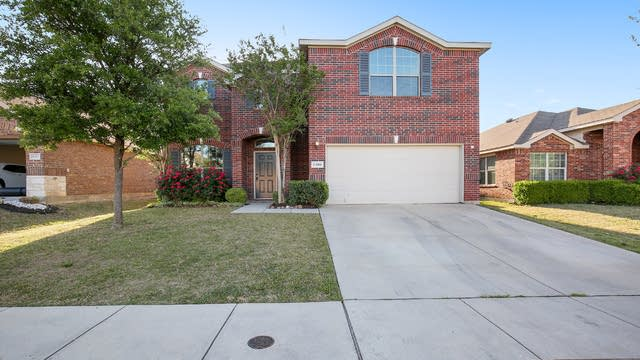 Photo 1 of 27 - 6308 Spring Ranch Dr, Fort Worth, TX 76179
