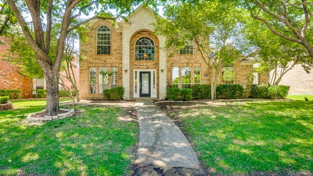 Photo 1 of 32 - 18531 Gibbons Dr, Dallas, TX 75287