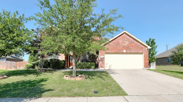 Photo 1 of 27 - 14509 Storyteller Ln, Haslet, TX 76052