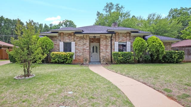 Photo 1 of 25 - 404 Rivervalley Ct, Arlington, TX 76006