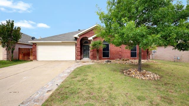 Photo 1 of 25 - 7044 Lomo Alto Dr, Fort Worth, TX 76132