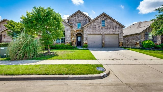 Photo 1 of 29 - 1111 Grimes Dr, Forney, TX 75126