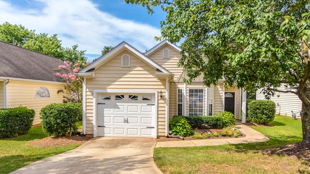 Photo 1 of 23 - 2605 Valley Haven Dr, Raleigh, NC 27603