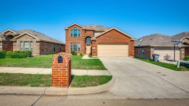 Photo 1 of 33 - 2537 Cumberland Trl, Balch Springs, TX 75181