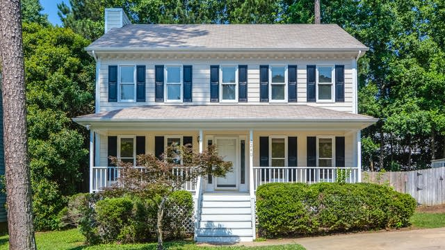 Photo 1 of 19 - 2240 Long and Winding Rd, Raleigh, NC 27603