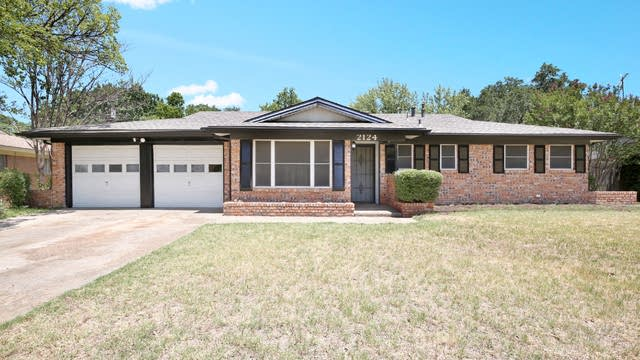 Photo 1 of 25 - 2124 Shady Brook Dr, Bedford, TX 76021