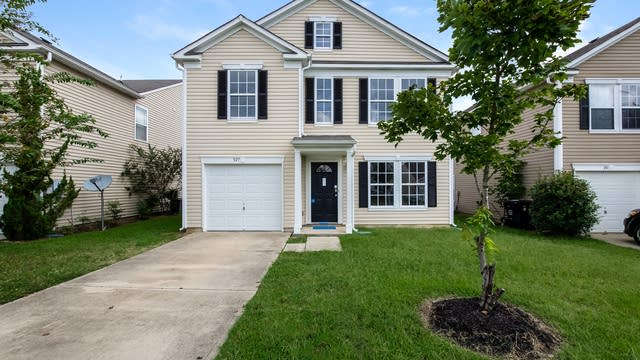Photo 1 of 25 - 927 Littleton Dr, Concord, NC 28025
