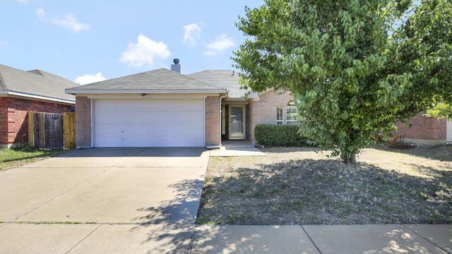 Photo 1 of 25 - 7413 Diamond Springs Trl, Fort Worth, TX 76123