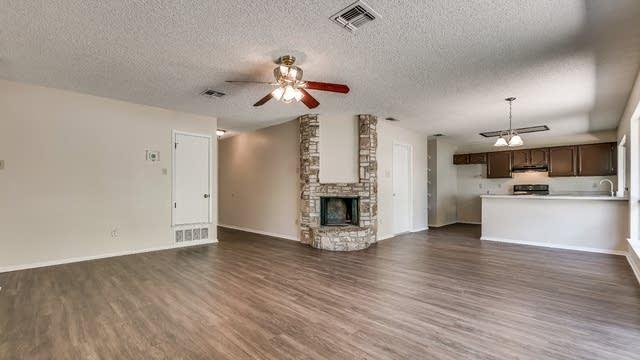 Photo 1 of 24 - 7747 Pipers Hl, San Antonio, TX 78251