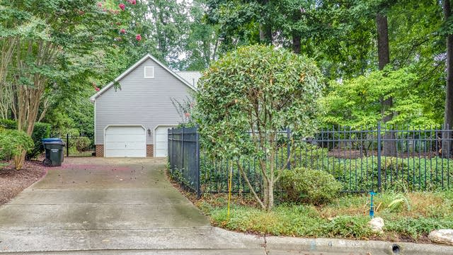 Photo 1 of 28 - 4 Chiswell Ct, Durham, NC 27705