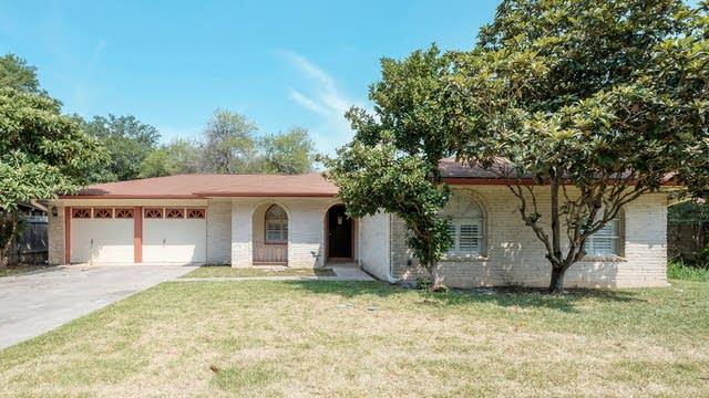 Photo 1 of 26 - 13911 Brays Frst, San Antonio, TX 78217