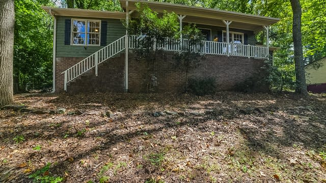Photo 1 of 15 - 562 Hidden Hills Ct, Marietta, GA 30066