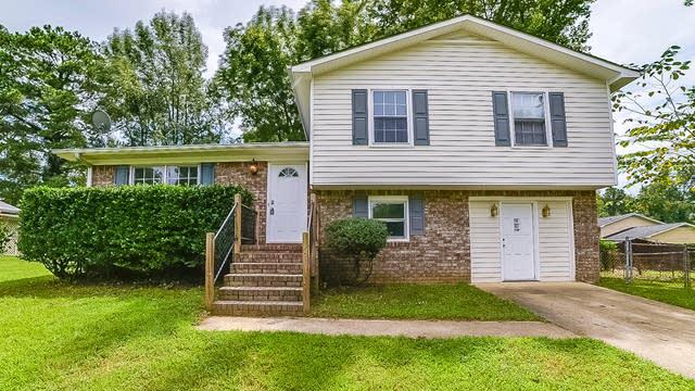 Photo 1 of 14 - 1677 Kinglet Rd, Jonesboro, GA 30238