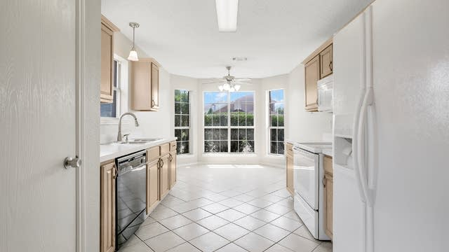 Photo 1 of 25 - 4184 Coral Springs Ct, Fort Worth, TX 76123
