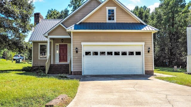 Photo 1 of 26 - 5620 Torness Ct, Raleigh, NC 27604