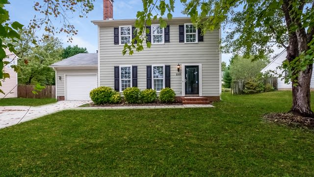 Photo 1 of 25 - 2321 Olde Whitehall Rd, Charlotte, NC 28273