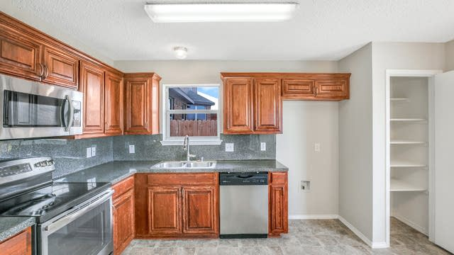 Photo 1 of 25 - 4328 Rockmill Trl, Fort Worth, TX 76179