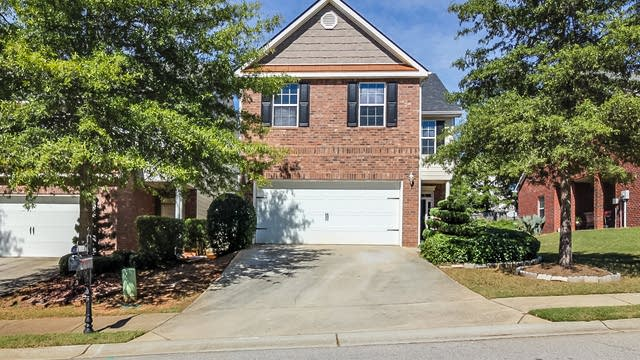 Photo 1 of 16 - 530 Hansen Dr, Locust Grove, GA 30248