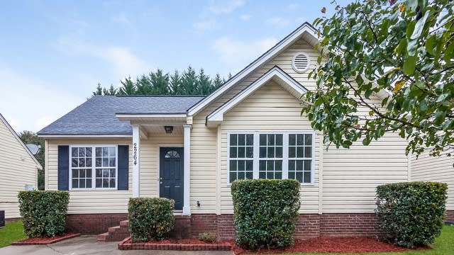 Photo 1 of 25 - 2264 Blue Hampton Ln, Charlotte, NC 28213