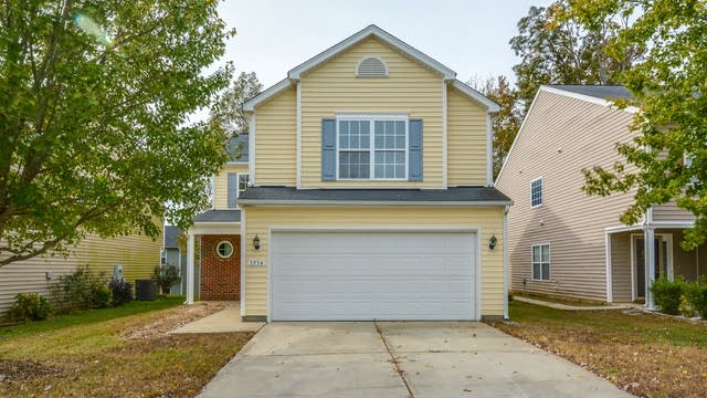 Photo 1 of 15 - 1534 Brown Owl Dr, Raleigh, NC 27610