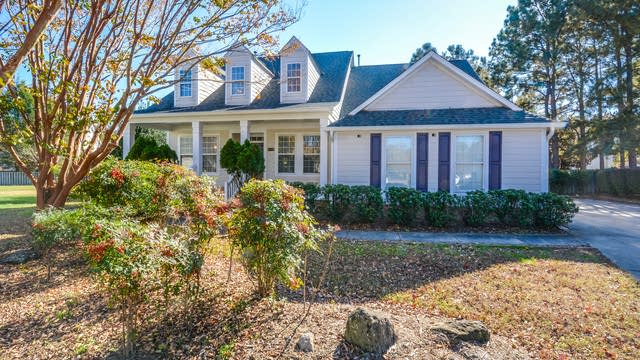 Photo 1 of 37 - 5001 Timberline Ct, Raleigh, NC 27604