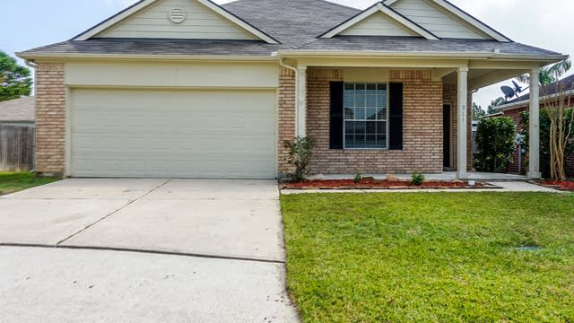 Photo 1 of 11 - 911 Pinecreek Point Ct, Spring, TX 77373