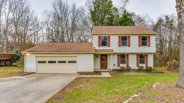 Photo 1 of 18 - 1923 Winsted Ct, Charlotte, NC 28262