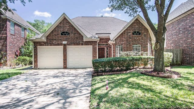 Photo 1 of 17 - 3139 Waters View Dr, Sugar Land, TX 77478